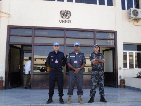 Equipe%20brasuca%20no%20MHQ%20em%20Khartoum[1]